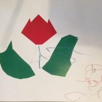 さとしくん 2歳 チューリップとサイン 折り紙のチューリップかわいいですね。